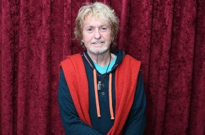 jon-anderson-yes-2015-billboard-650