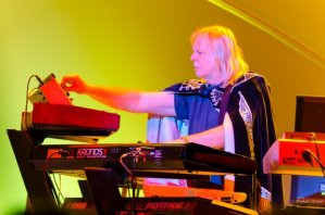 rick-wakeman-photo-by-mike-strauss